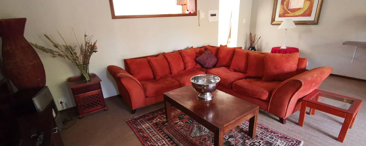 Ground Floor Apartment Spacious Lounge from R390pps